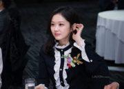 Jang Na Ra khiến fan sốc vì vẻ đẹp U40 mà như thiếu nữ 20
