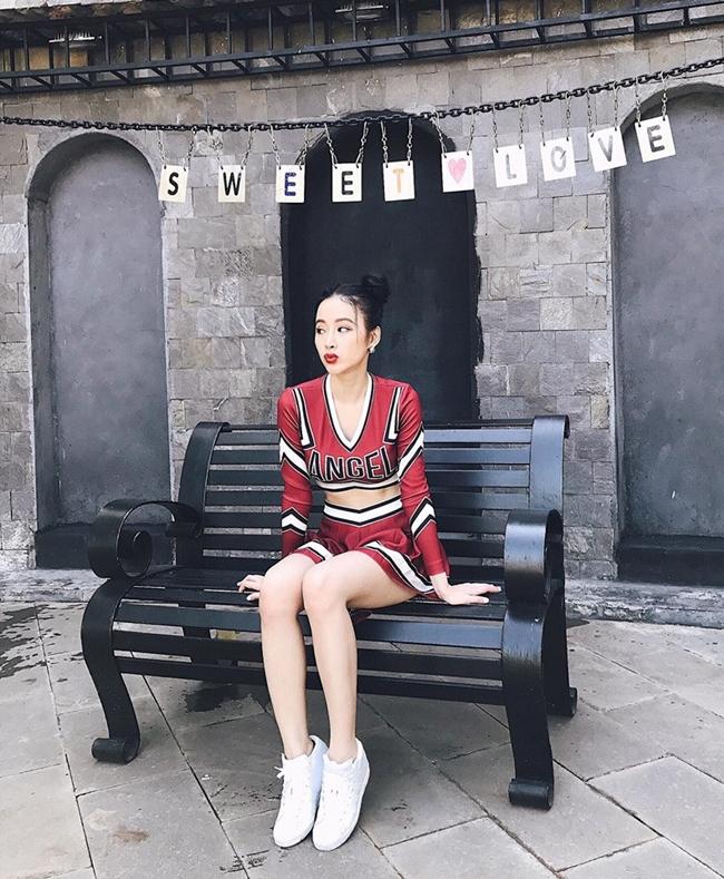 hot-girl-ngan-98-so-huu-so-do-ba-vong-nong-bong-khong-kem-angela-phuong-trinh