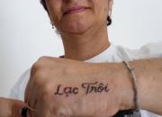 """Chỉ có thể là Sơn Tùng: Fan hâm mộ lớn tuổi người Brazil xăm hình""""lạc trôi"""" lên tay"""
