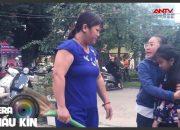 Bà chủ quán đánh bầm rập cô bé phụ việc | KỸ NĂNG SỐNG | Camera giấu kín