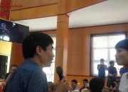 TS. Lê Thẩm Dương nói chuyện với sinh viên Đại học Sao Đỏ về chủ đề: Hành trang hội nhập