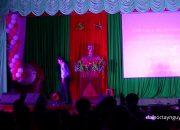 Thầy Nguyễn Thanh Trúc phát biểu – Đêm ga la kỹ năng mềm khoa kinh tế 2016