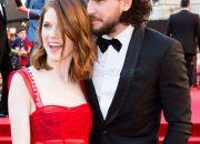 """Cặp đôi phim giả tình thật đẹp nhất """"Game of Thrones"""" đã đính hôn sau 5 năm yêu nhau"""