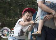 Khi trẻ em bị dụ dỗ_Mối nguy hiểm từ người lạ  | KỸ NĂNG SỐNG | Camera giấu kín